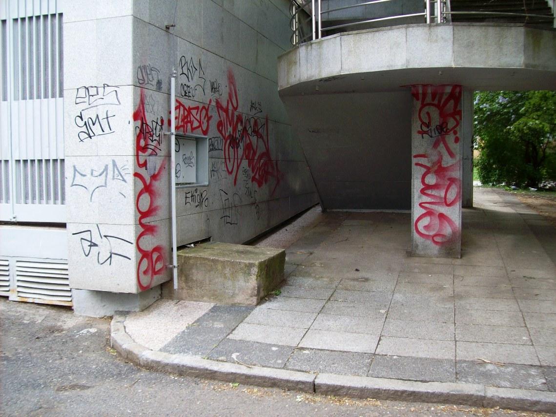 Odstranění sprejů, čištění graffiti