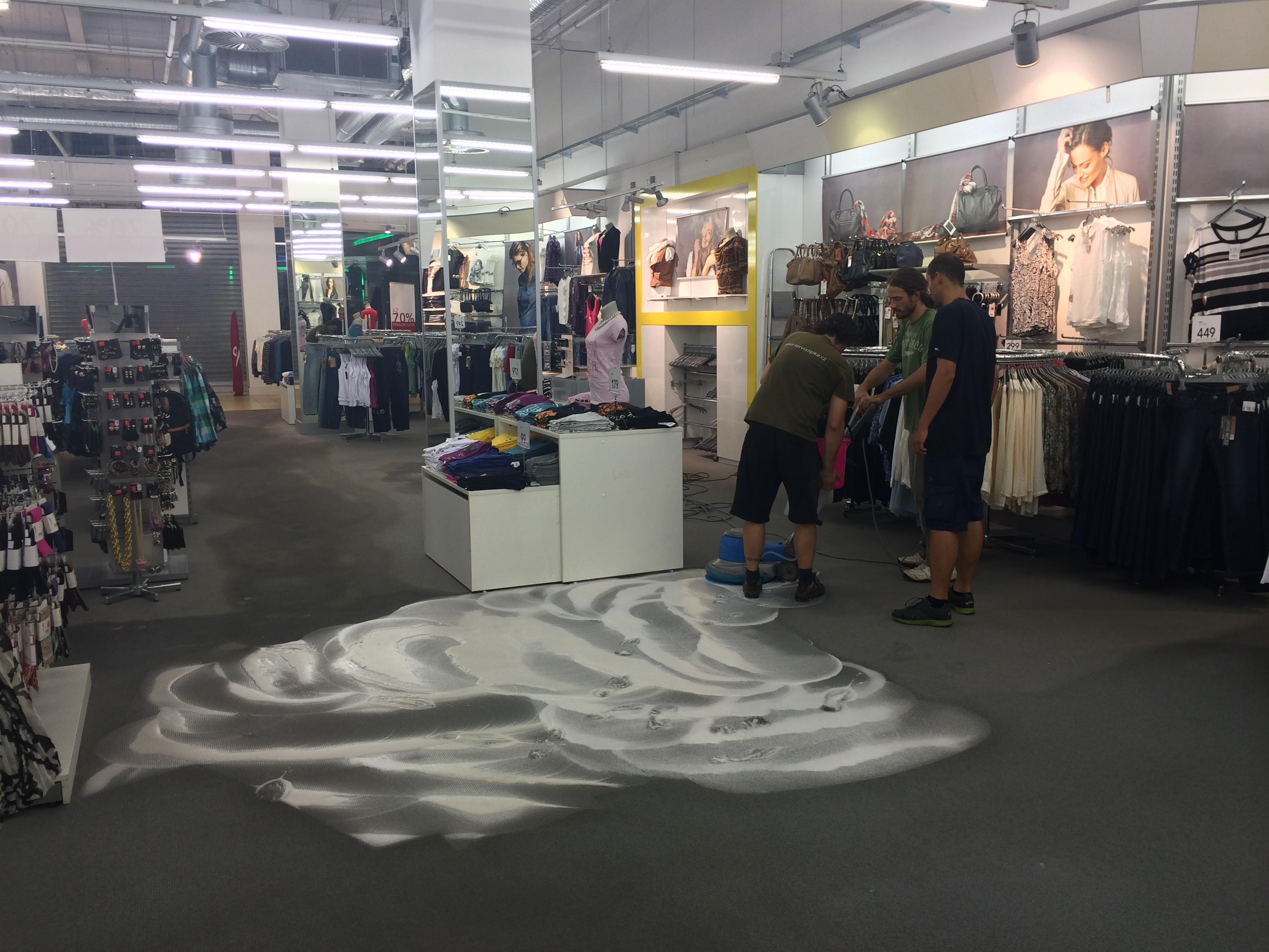Strojové čištění koberců Brno