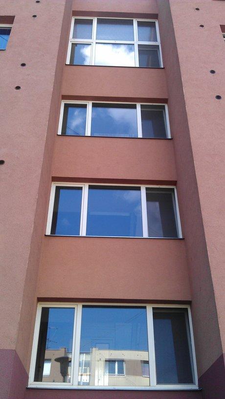 Provádíme mytí oken a výloh