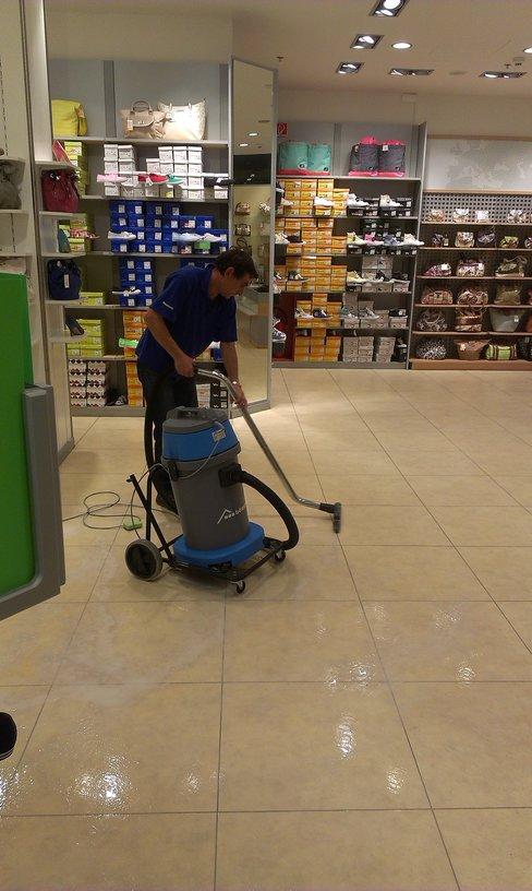 Čištění hloubkové, voskování podlah Ostrava