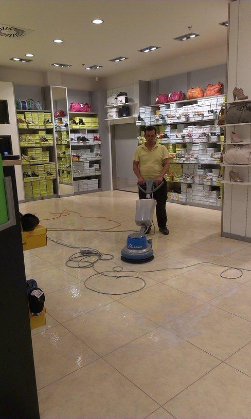 Gen. čištění podlah, voskování Havířov