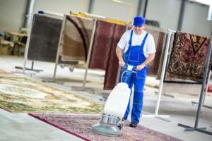 Čím vyčistit koberec a zbavit ho chlupů